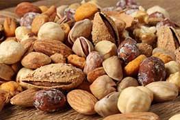 Reduzca sus niveles de colesterol comiendo nueces